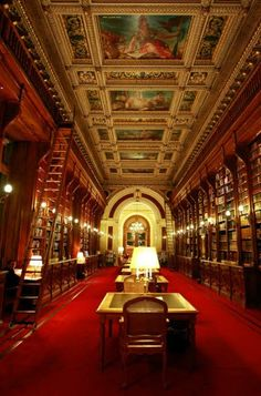 The French Senate Library in The Luxembourg Palace, Paris. www.bibliotheeklangedijk.nl