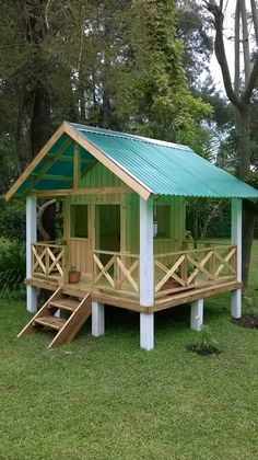 70 Ideas Diy Kids Playhouse Outdoor Awesome For 2019 Backyard Playhouse, Build A Playhouse, Backyard Playground, Backyard For Kids, Playhouse Ideas, Backyard Fort, Kids Outdoor Playhouses, Kids Yard, Backyard Ideas