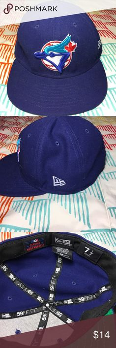 new concept 21f2d 86bba Toronto Bluejays MLB Baseball Fitted Hat Size 7 - Condition New Era  Accessories Hats
