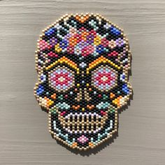 About 1000 beads woven for this mod - Beaded Earrings, Beaded Jewelry, Beaded Bracelets, Peyote Patterns, Beading Patterns, Motifs Perler, Beaded Spiders, Beads Pictures, Native Beadwork