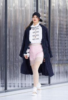 The Spring-Summer 2017 Ready-to-wear show on the CHANEL official website