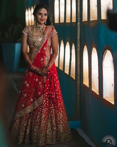 Looking for large flare lehenga? Browse of latest bridal photos, lehenga & jewelry designs, decor ideas, etc. on WedMeGood Gallery. Indian Wedding Bride, Indian Wedding Planning, Indian Wedding Outfits, Bridal Outfits, Indian Outfits, Bridal Dresses, Indian Weddings, Desi Wedding, Wedding Lehanga