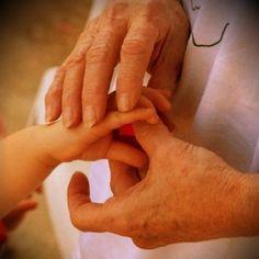 Wisdom Holding Hands, Wisdom, Photos, Photography, Pictures, Photograph, Fotografie, Photoshoot, Fotografia