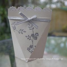I hope you will find lots of inspiration here. I love papercrafting and sharing my designs and creative projects. Wedding Favor Boxes, Wedding Cards, Wedding Ideas, Diy Wedding, Candy Crafts, Paper Crafts, Gift Wrapper, Pretty Box, Pillow Box