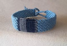 Macrame bracelet for men braided with waxed nylon thread in blur colour with gray and dark blue details. Windth Fits to all sizes Waterproof Handmade bracelet Peg Loom, Macrame Bracelets, Boho, Bracelets For Men, Gifts For Him, Jewerly, Gray Color, Colours, Handmade