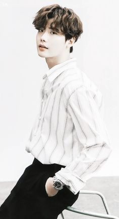 [Scans] LeeJongSuk For Instyle Feb. 2018 issue Cr: as Tagged Lee Jong Suk Cute, Lee Jung Suk, Ahn Jae Hyun, Lee Joon, Lee Dong Wook, Asian Actors, Korean Actors, Park Bogum, Kang Chul