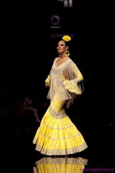 Flamenquis… Me pongo manos a la obra una vez más y voy a tratar de resolver dudas que tenéis y que, de un modo u otro, me hacéis llegar. Y tenéis una Fashion Moda, Skirt Fashion, Fashion Show, Fashion Dresses, Womens Fashion, Flamenco Costume, Flamenco Skirt, Flamenco Dresses, African Print Fashion