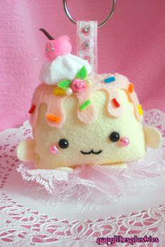CUTE/KAWAII Sweet Vanilla/Strawberry Pudding Cake Decora Lolita Fairy Kei Princess Keychain V2 Handmade by ♥Lexxi♥, via Flickr