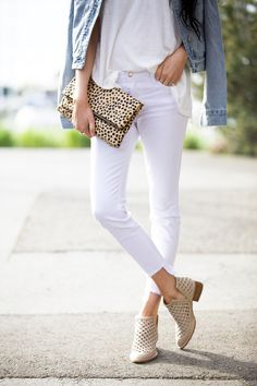 cool and casual… Pink Peonies waysify Spring Summer Fashion, Spring Outfits, Spring Clothes, White Jeans Outfit, White Pants, Booties Outfit, White Denim, Passion For Fashion, Cute Outfits