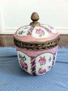 Decorative Urns With Lids Glamorous Decorative Urn In Aged Rose Pink  Objet D'art  Pinterest  Urn Decorating Design
