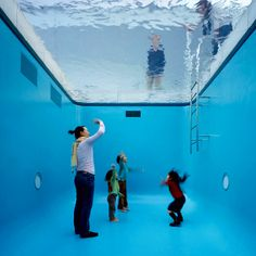 Leandro Erlich – The Swimming Pool (2004)