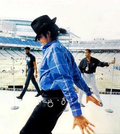 Michael during the rehearsals for the Bad tour <3