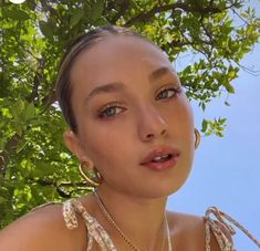 Maddie Zeigler, Famous Girls, Millie Bobby Brown, Makeup Inspo, Hoop Earrings, Merlin, Sisters, Profile, Icons