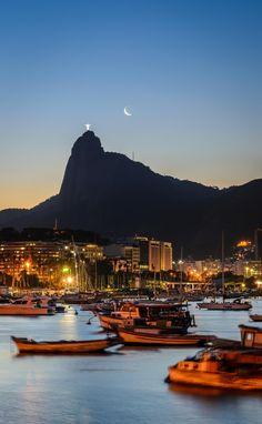 Paixão por pôr do sol e lua! Rio de Janeiro, RJ, Brazil.