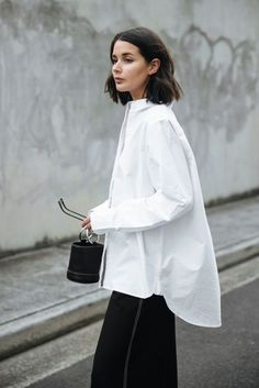 15 Cute Girly Fashion Outfits Ideas For Summer - Oscilling Oversized Shirt Outfit, Oversized White Shirt, White Shirt Outfits, Oversized Clothing, Work Fashion, Curvy Fashion, Fashion Outfits, Womens Fashion, Fashion Tips