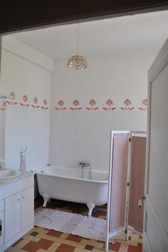 Salle de bain du 2ème étage du château de Riveneuve