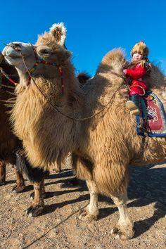 Kind op kameel. Foto: Bayar Balgantseren. Kijk voor meer reisinspiratie op www.nativetravel.nl