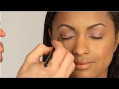 How Do I Apply Two Different Color Eye Shadows? - YouTube