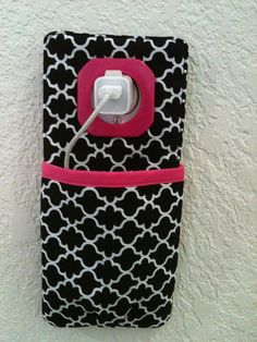iPhone , iPod Touch, smart phone Docking Station /  wall Socket Holder / cell phone charger holder**Black&Pink**