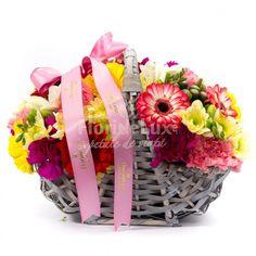 Cosulet Sweet Perfection, un cadou special, delicat si plin de culoare! Alege azi acest cosulet perfect cu flori😊😊  https://www.floridelux.ro/cosulet-sweet-perfection.html