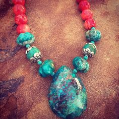 Genuine turquoise and red sponge coral statement necklace and earring set. Turquesa E Coral, Coral Turquoise, Turquoise Necklace, Beaded Jewelry, Beaded Bracelets, Necklaces, Jewellery, Necklace Designs, Earring Set