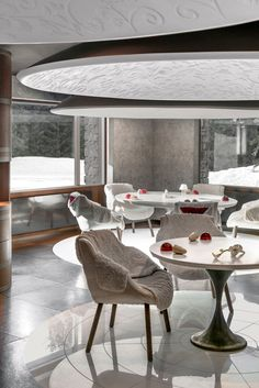 Le 1947, wonderful restaurant in Cheval Blanc, Courchevel. @chevalblancofficial @chevalblanccourchevel #interiors #interiorstyle #interiorstyling #interiordesign #interiorphotography #architectural #architecturaldesign #architecturaldetails #furniture #furnituredesign #architecturalphotography #homedecor #luxurystyle #luxurylife #luxurytravel #luxuryhotel #mansion #maison #villa #hoteldesign #designmagazines #architecture #exclusive #luxury #luxurylifestyle #luxuryliving #home