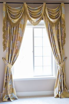 This luxury Royal Gold pole swag valance is flexible in adjusting width to fit the windows. A great fit for bay windows or irregular-shapped windows, the curtain set combines frivolous extravagance and modern simplicity. http://www.celuce.com/p/417/royal-gold-big-leaf-flip-pole-swag-valance-curtain-set