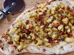 GRILLED FLATBREAD WITH APPLES, BACON, AND LEEKS - Great Christmas Appetizer