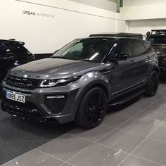 Looks like this beauty will be in the departure lounge today #evoque…