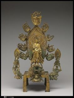 국립중앙박물관 <고대불교조각대전> ㅡ 중국식 법의를 입은 부처