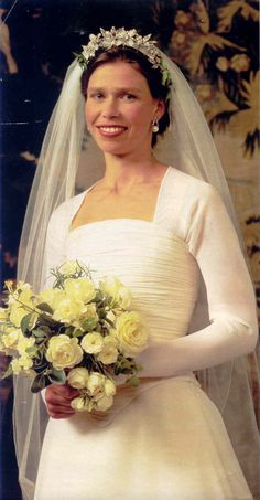 14 July 1994 – Lady Armstrong-Jones, daughter of Princess Margaret & the Earl of Snowdon, promised her love to Daniel Chatto