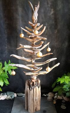 Christmas tree with Angel * Driftwood Driftwood Christmas Tree, Beach Christmas, Coastal Christmas, Diy Christmas Tree, Rustic Christmas, Xmas Tree, Christmas Ornaments, Driftwood Sculpture, Driftwood Art