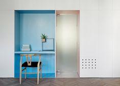 niche couleur - Appartement de 55 à Tel Aviv par Maayan Zusman & Amir Navon Interior Design Degree, New Interior Design, Apartment Interior Design, Tel Aviv, Arch Interior, Interior Architecture, Colorful Apartment, Appartement Design, Old Apartments