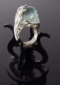 Mademoizelle Sefra's Ring in 925 silver. Skull is hand carved in crystal