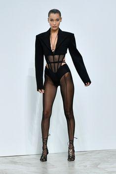 """""""Bella Hadid walking for Mugler fashion show in Paris. Fashion Killa, Runway Fashion, Fashion Models, High Fashion, Fashion Show, Fashion Outfits, Fashion Design, Bella Hadid News, Bella Hadid Style"""