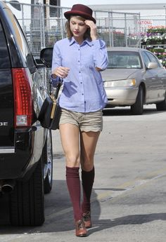 Taylor Swift Web, Candid, Photo Galleries, Hipster, Boots, Image, Shopping, Window, York
