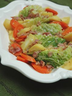 Orecchiette salad, tomatoes and mozzarella - Healthy Food Mom Healthy Side Dishes, Healthy Breakfast Recipes, Side Dish Recipes, Healthy Recipes, Healthy Sides, Root Vegetable Gratin, Vegetable Sides, Vegetable Recipes, Vegetarian Nachos