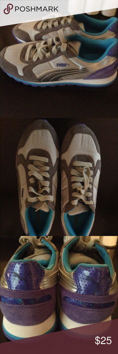 Womens puma tennis shoes These women's puma tennis shoes are in like new condition. Worn only once indoors. Puma Shoes Athletic Shoes