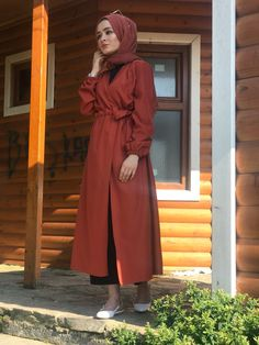Hale Trenç The clothing culture is fairly old. Casual Hijab Outfit, Hijab Chic, Hijab Dress, Muslim Fashion, Modest Fashion, Hijab Fashion, Fashion Dresses, Women's Fashion, Modest Dresses