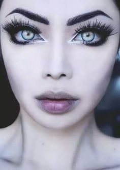 This is what the Korean/Japanese girls do to make their eyes look bigger. Let's try it.