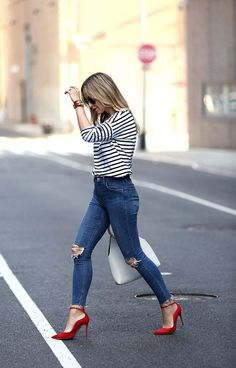 Any look red pumps outfit, heels outfits, casual heels outfit, jean Rote Pumps Outfit, Casual Heels Outfit, Outfit Jeans, Shirt Outfit, Jeans Outfit For Work, Casual Jeans, Casual Clothes, Chic Outfits, Fall Outfits