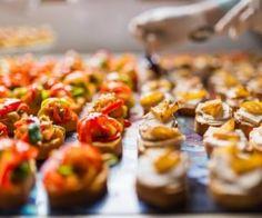 Festa, reunião, almoço com grande número de pessoas realmente podem deixar dúvidas em relação à quantidade de comida. Vem ver as dicas para solucionar este problema!