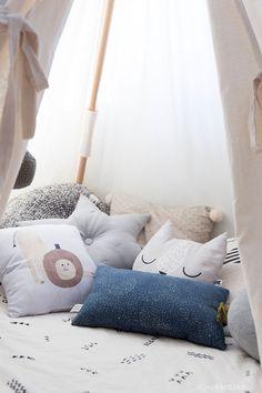Roomtour: jetzt ist das Babyzimmer endlich ein Jungszimmer • Ich Liebe Deko Diy Tipi, Bed Pillows, Pillow Cases, Kids Room, Toddler Bed, Furniture, Home Decor, Grey Walls, Baby Changing Tables