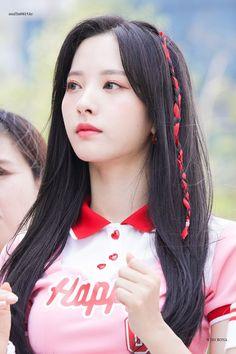 dedicated to female kpop idols. Kpop Girl Groups, Korean Girl Groups, Kpop Girls, Korean Beauty Girls, Asian Beauty, Asian Woman, Asian Girl, Kim Hyun, Fandom
