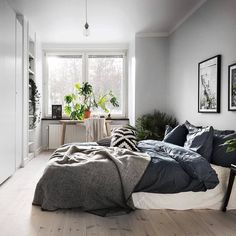 In the mood for a cozy night.via @scandinavianhomes photo by @kronfoto #scandinavian #interior #homedecor #simplicity #whiteliving
