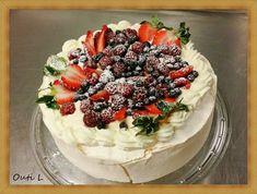 Tänään kokeilimme uutta kakkuohjetta. Ja se oli täydellinen menestys! Tämä kakku on todellakin nimensä mukaisesti enkelten kakku... Angel Cake, Illinois, Acai Bowl, Pie, Cooking, Breakfast, Desserts, Recipes, Food