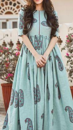 Simple Pakistani Dresses, Pakistani Dress Design, Western Wear Dresses, Party Wear Dresses, Frock Fashion, Fashion Dresses, Feeding Dresses, Cotton Dresses Online, Cute Maternity Dresses