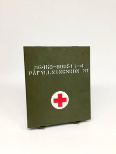 Vintage First Aid Kit Army First Aid Kit Swedish Army First Swedish Air Force, Military First, Swedish Army, Vintage Medical, Star Wall, White Crosses, Unique Wall Art, First Aid Kit, Red Cross