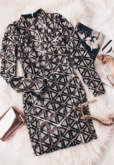 The fun never stops in the Waking Up in Vegas Rose Gold and White Sequin Dress! Sequins form a diamond pattern across a mock neck and long sleeves. Night Outfits, Dress Outfits, Fashion Dresses, Cute Outfits, White Sequin Dress, New Years Outfit, Camping Outfits, Frack, Pretty Dresses