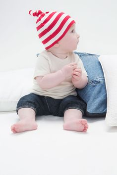 Baby Stripy one-knot hat. 100% cotton, sustainably & ethically produced. Multiple colours available at www.changemerchants.com.au